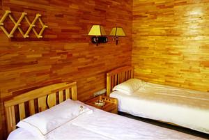 美式简约风格木屋别墅双人间卧室装饰
