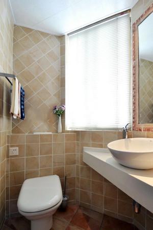 60平米小户型现代简约风格卫生间百叶窗装饰