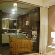 现代简约主卧室玻璃隔断设计