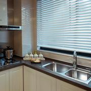 70平米现代简约风格小型厨房百叶窗装饰图