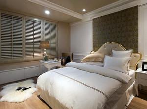 小洋房欧式简约风格卧室百叶窗帘装修效果图