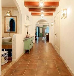 地中海风格三居室过道实木吊顶装修图片