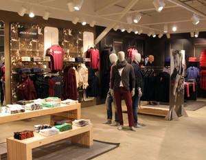 100平米欧式风格时尚服装店装修效果图