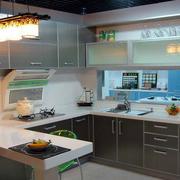 现代简约深色U型厨房装饰