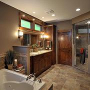 别墅美式风格深色原木卫生间门装修效果图