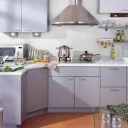 现代简约风格厨房原木地板装饰