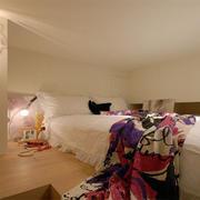 现代错层小卧室榻榻米