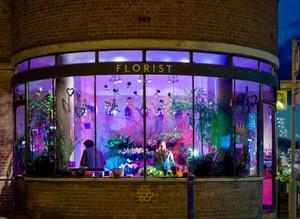 30平米环形美式风格街头花店装修效果图