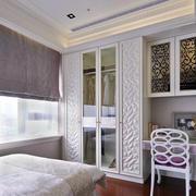 复式楼简约欧式卧室衣柜装饰