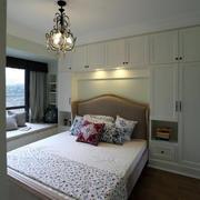 欧式卧室床头整体衣柜装饰