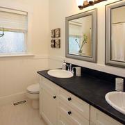欧式简约风格楼房卫生间装饰