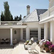 白色迷人简欧别墅装修设计效果图