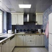 厨房大型石膏板密集吊顶装饰