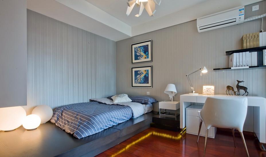 现代61平米小户型卧室榻榻米装修效果图