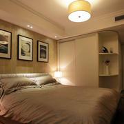 卧室内嵌式简约衣柜装饰