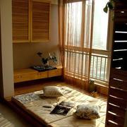 原木浅色阳台榻榻米装饰