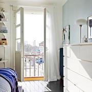 小户型卧室简约唯美窗帘装饰
