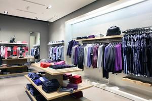 2016欧式现代小型常见服装店装修效果图