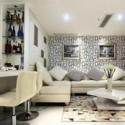 黑白印花沙发背景墙装饰