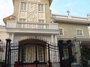 大型欧式别墅奢华浅色外墙装修效果图