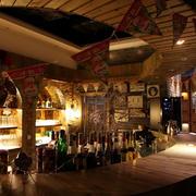 现代简约风格酒吧吊顶装饰