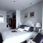 现代简约风格浅色房间装饰
