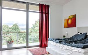 别墅后现代落地隔音玻璃窗装修效果图