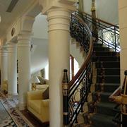 欧式奢华豪宅旋转楼梯装饰