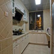 欧式简约风格U型厨房橱柜装饰