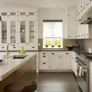 欧式整体式开发厨房装饰