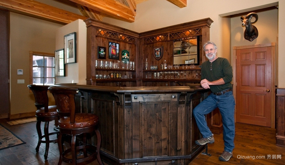 美式独栋别墅家居实木吧台酒柜图片