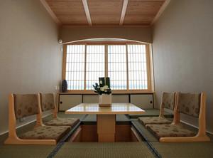 20平米日式简约风格会客厅榻榻米装修效果图