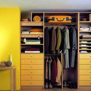 暖色系简约风格衣柜装饰