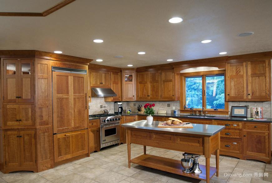 现代郊区大户型别墅餐厅实木家具图片