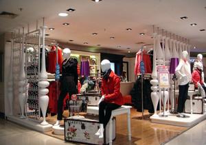 商场16平米现代服装店装修效果图