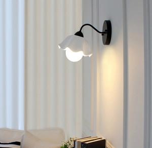 小户型简约系列床头壁灯效果图片