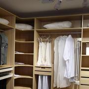 小型简约衣柜装修设计