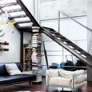 采用简约风格楼梯设计