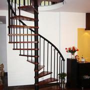 现代简约风格原木旋转楼梯装饰