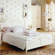 卧室田园风格壁纸装饰