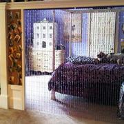 紫色系客厅帘幕隔断装饰