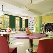 幼儿园大型教室桌椅装饰