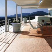 精致的现代阳台造型图