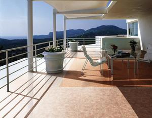 2016唯美独特的现代欧式别墅阳台装修效果图