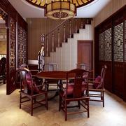 中式深色系餐厅屏风装饰