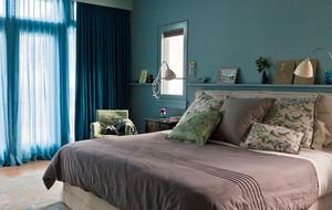 小户型卧室床头柜装饰