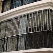 别墅精致不锈钢新型防盗窗效果图