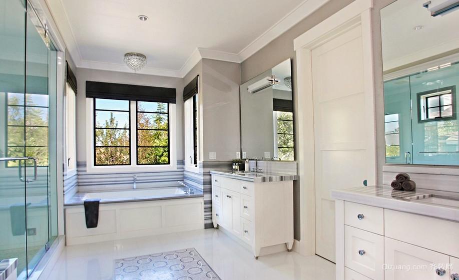 现代时尚小复式楼卫生间隔断门装修图