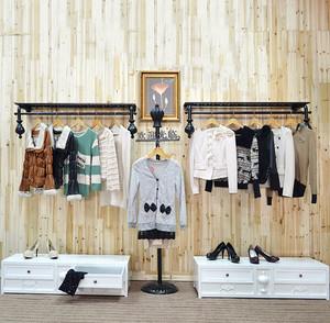 现代50平米朴素服装店货架装修效果图