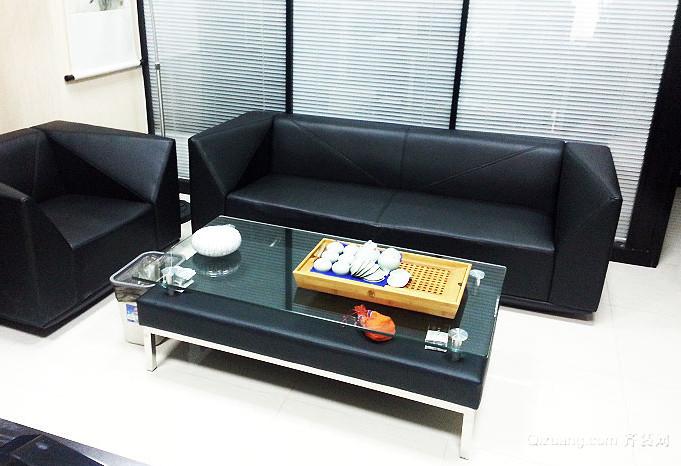 三居室结构美观玻璃茶几效果图片